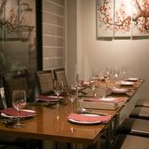 宴会・女子会に人気のテーブル席。席はレイアウト自由ですので、4名様~10名様までご対応できます。お問い合わせください。