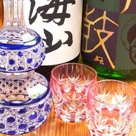 自慢の日本酒、焼酎、ワインを豊富に取り揃えてますよ♪