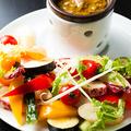 料理メニュー写真契約農家さんの新鮮野菜を使ったバーニャカウダ