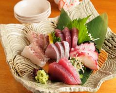 鮮魚盛り合わせ Assorted sashimi