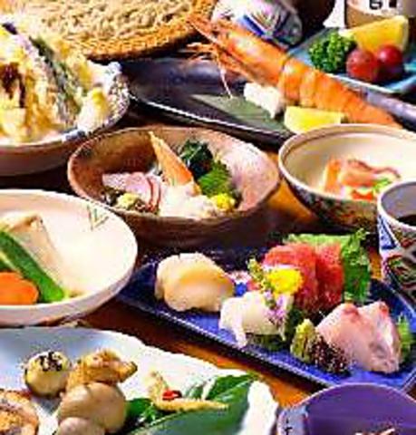 国産最上級のそば粉を使用した蕎麦はもちろん、素材にこだわった日本料理を、東川口で
