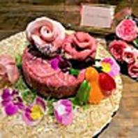 大切な人へのお祝いに!肉ケーキ