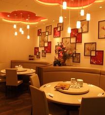 高級中華飯店を思わせる円卓テーブル。お食事会や女子会、会社の宴会にオススメ