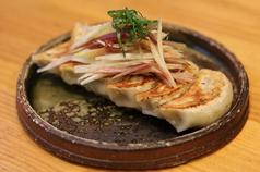 料理メニュー写真餃子ミョウガまみれ
