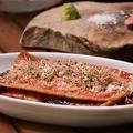 料理メニュー写真蕎麦とミートソースのラザニア風
