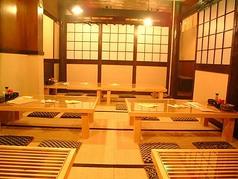 最大32名の個室(お座敷)。仕切りで24名と10名の個室に出来ます。