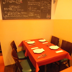 レイアウト自由なテーブル席