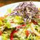 料理メニュー写真イタリア直送パルメジャーノチーズのシーザーサラダ