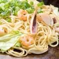 ◇当店自慢の海鮮塩焼そばは、いか・ホタテ・タコ・えびのオールスターを特製塩ダレでお召し上がり頂けます。他、焼そばメニューも多数ございます。MEGAミックスそばはみんなでシェアして楽しくお召し上がりください♪