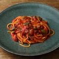 料理メニュー写真オリーヴ、ケッパー、アンチョビのトマトソース ヴェルミチェッリ