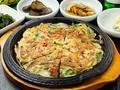 料理メニュー写真海鮮チヂミ/キムチチーズチヂミ