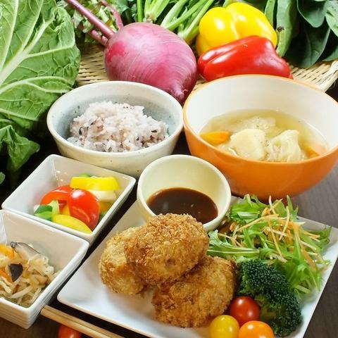 千日前◆明日香村こだわりの新鮮なお野菜やお米が堪能できるお店!マルシェにて販売も