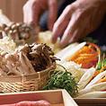 黒毛和牛・国産銘柄豚・国産野菜・野菜とお肉のおかずなど、色々選べるバラエティー豊かなお料理をご用意しております。