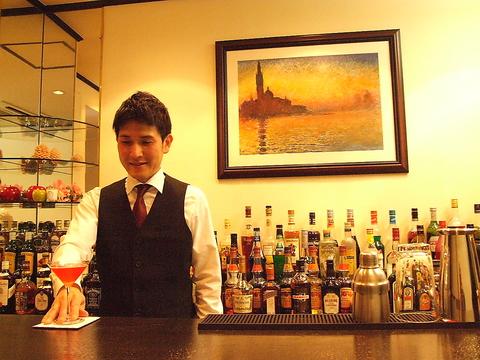 すべてのカクテルが200円~400円で飲める安心価格のお店。