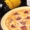【おすすめメニュー】イタリアでの修行経験のあるシェフの味!イタリアンサラミのトマトソースのピザ☆