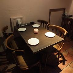 最大8名様まで即予約可能!大人気のテーブル席は早い者勝ち!!ほどよい照明の中で落ち着いた雰囲気でお食事ができるお店です★