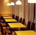 【2ー30名様用テーブル席】博多駅が一望できる特等席。