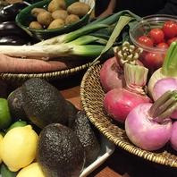 ◆カウンターには旬野菜がズラリ・・◆