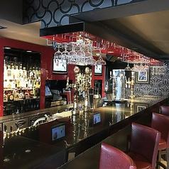 雰囲気のよいバーカウンターのお席がございます。落ち着いた空間は、デートやおひとり飲みなどにおすすめです。