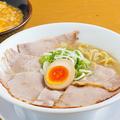 料理メニュー写真とんこつラーメン 醤油味