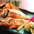 焼き魚も人気です♪さっぱり酢橘や大根おろしと一緒にどうぞ。
