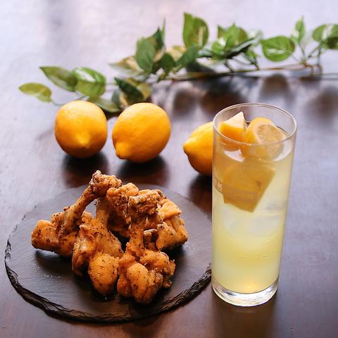 『スペシャルセット』唐揚げ2個・ポテト・ピクルス+102種類から選べるお好きなレモンサワー♪