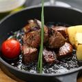 料理メニュー写真熟成牛 サイコロステーキ