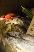 鮮魚のディスプレイ