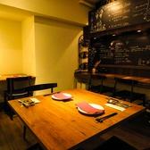 落ち着きのある洗練された空間は、普段の飲み会はもちろん、特別な日のお食事にもぴったり。