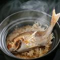 料理メニュー写真土鍋炊き込みご飯(2~3人前用)