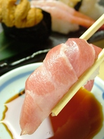 カウンターで新潟の鮮魚を堪能!