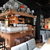 2階席はテーブル席がメインのゆったりお愉しみ頂ける空間♪各種パーティーや貸切にもおすすめです!フロア貸切は35名様~最大45名様まで可能◎