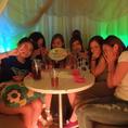 【女子会・誕生日】女子会の最後に思い出の写真を1枚♪美味しい料理と、200種以上のお酒、カーテン個室のあるハシシ