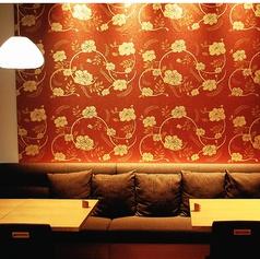 【2ー8名様用ソファ席】当店の特等席。夜景を見ながらソファ席でゆっくり過ごして頂けます。