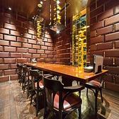 8名様~10名様用完全個室。プライベートな空間をお楽しみ頂けます。
