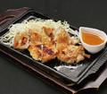 料理メニュー写真鶏もも鉄板焼(塩ダレ)