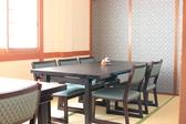 一部屋6名名様までの和室の個室が3部屋ございます。つなげると26名様まで入れます。ご宴会、法事、会食、お食い初めなどにご利用ください。画像の椅子席と座布団席、どちらのセッティングにされるかご予約時に仰ってください