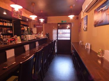 居酒屋 shino 黒猫&Darts 酒と肴の雰囲気1