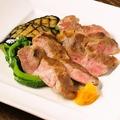 料理メニュー写真四元豚肩ロースのグリル~マディラ酒とマスタードのソース~