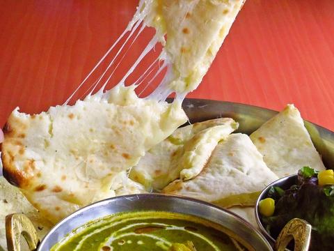 辛さも選べる本格的なインド料理が楽しめる。子供向けメニューあり、家族で利用もOK。