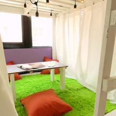 個室空間 DIYcafe 三宮北野坂店の雰囲気1