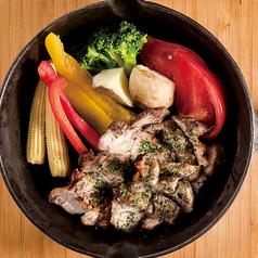 料理メニュー写真豚と季節野菜の盛り合わせ