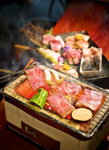 人気の中華メニュー、厳選されたA4・A5黒毛和牛や三島ホルモンを本格炭火焼き肉で!!