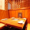 お食事をごゆっくりお楽しみいただける席になっております。※こちらの写真はテーブル席別視点からのお写真になります。