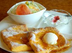 料理メニュー写真フレンチトーストセット