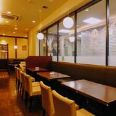 広々としたテーブル席です!車イスのお客様も気兼ねなくご利用いただけます!【町田 パンケーキ カフェ ランチ 宴会 パーティ】