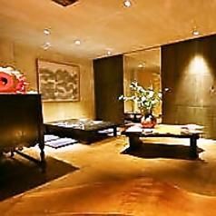お2階は韓国の伝統的な家屋をイメージしたつくりになっており、リビングのような感覚で落ち着いて食事をお楽しみいただけます。