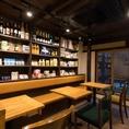 1階テーブル席の後ろには、「京都やまちや」で取り扱っている商品の展示を行っております。一度お手にとってご覧ください。また店頭にて販売も行っておりますので、気になる商品がございましたら、スタッフまでお声掛け下さいませ。