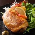 料理メニュー写真水郷赤どり骨つき鶏もも肉のコンフィ