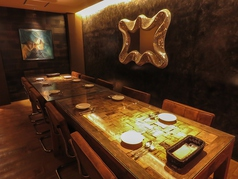 【2F】最大14名様までの小~中人数宴会に人気のお席。周りを気にせず楽しめる個室空間。